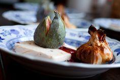 Lebkuchenparfait mit Feigen und Rotweinsauce