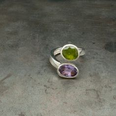 Twist Dual Stone Ring Purple Amethyst Green by SunSanJewelry Green Peridot, Purple Amethyst, Birthday Gemstones, Anniversary Jewelry, Twist Ring, Unique Gifts For Her, Rings For Her, Cocktail Rings, Statement Rings