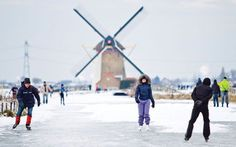 Once a country of 10,000 windmills, Holland now has over 1,000 historic vertical mills, more than any other country in the world. #Holland #Netherlands #travel