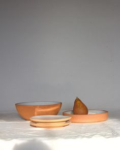 Rust collection🍽 Preorder for xmas. Available online and in store. Tostadas, Food Styling, Serving Bowls, Stoneware, Rust, Decorative Bowls, Furniture Design, New Homes, Xmas