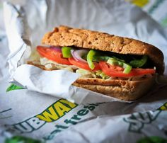 Experts, nutritionists, and patrons weigh in on whether Subway is really a healthier lunchtime choice. Healthy Meals To Cook, No Cook Meals, Healthy Cooking, Cooking Recipes, Healthy Recipes, Subway Sandwich, Fast Food, Health Eating, Sandwiches