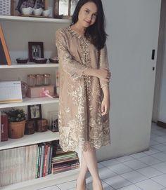 Dress Brokat Modern, Kebaya Modern Dress, Kebaya Dress, Kebaya Brokat, Dress Brukat, Batik Dress, Lace Dress, Party Dress, Simple Dresses