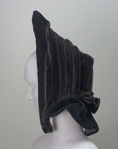Bonnet, 1850, Made of velvet