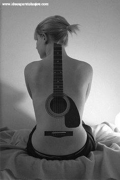 tatuajes-de-guitarras-5.jpg (333×500)
