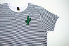 Alle Preise inkl. MwSt. zzgl. Versand  100% Baumwolle mit hochwertig gesticktem Stoffaufnäher (8 cm x 4,5 cm)  Unisex Style
