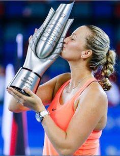Blog Esportivo do Suíço:  Kvitova fecha semana incrível com o título na China e encerra jejum