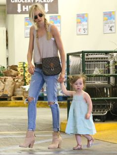 Kimberly Stewart & Daughter Delilah Grocery Shopping At Whole Foods