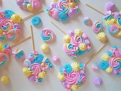 Lollipop Cookies, Lollipop Recipe, Meringue Cookies, Iced Cookies, Cake Decorating Piping, Cookie Decorating, Cupcake Shops, Cupcake Cakes, Market Day Ideas