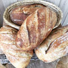 kváskový chléb   Kurzy pečení chleba Bread And Pastries, How To Make Bread, Bread Making, Pavlova, Ham, Food And Drink, Homemade, Pizza, Cooking