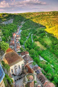 ROCAMADOUR * VALLE DE LA DORDOÑA  *  FRANCIA  Dordoña (en francés: Dordogne; ) es un departamento francés situado en la región de Aquitania, al suroeste de Francia. Su capital es Périgueux (en occitano Perigús). Heredera de la antigua provincia de Périgord, su gentilicio francés sigue siendo Périgourdins.