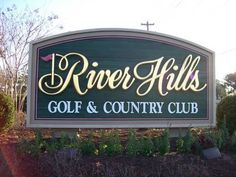River Hills Golf and Country Club is located in Little River, just moments away from North Myrtle Beach. The par 72 golf course was designed by Tom Jackson and features 18 magnificent holes over rolling hills, unique to this type of location.