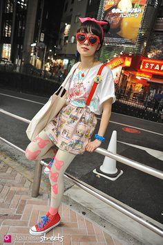 AI NAKAMOTO Shibuya, Tokyo SUMMER 2013, GIRLS Kjeld Duits STUDENT, 20  T-Shirt – Melon Skirt – Melon Tights – Melon Shoes – Converse