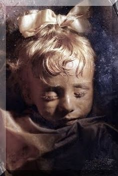 World's Best Preserved Mummies. If you're a fan of weird and odd, this is quite amazing. Most Beautiful Child, Beautiful Children, Ancient Egypt, Ancient History, Ancient Artifacts, Egyptian Mummies, Post Mortem Photography, Greek Mythology, Rosalia Lombardo