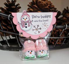My Creative Time: December 1 ~ Snow buddies treat holder Christmas Craft Fair, Christmas Favors, Christmas Crafts For Gifts, Stampin Up Christmas, Christmas Goodies, Christmas Candy, Christmas Projects, Christmas Treat Bags, Chocolate Navidad