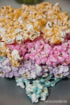 Popcorn and melted Peeps! plus 12 Easter Dessert Recipes with Peeps Popcorn Snacks, Candy Popcorn, Popcorn Recipes, Dessert Recipes, Popcorn Balls, Sweet Popcorn, Candy Apples, Snack Recipes, Peeps Recipes