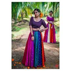 Beautiful Lehenga-Choli with great color combinations. Cotton Lehenga, Lehenga Gown, Lehenga Choli Online, Lehenga Blouse, Anarkali, Indian Skirt, Dress Indian Style, Indian Dresses, Indian Outfits