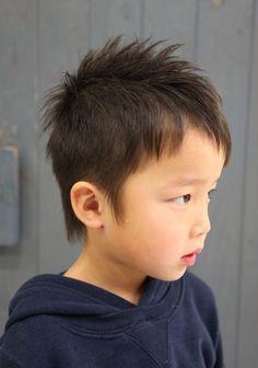 キッズヘアスタイル ツーブロック - 子供 髪型 男の子 短髪,ソフトモヒカン,アシメ,長め ツーブロック
