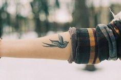 35 Cool Female Tattoos : HitFull.com