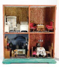 Ladenburger Spielzeugauktion Antique Dollhouse, Dollhouse Dolls, Antique Dolls, Vintage Dolls, Barbie Furniture, Miniature Houses, House Interiors, Miniture Things, Small World