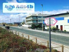 Excelente oportunidade, apartamento como novo na primeira linha da praia da Apúlia, T2 com dimensões grandes e de excelente qualidade. OPORTUNIDADE Com acesso ao terraço do prédio, com garag...