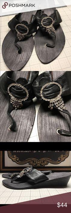 Matisse Leather SZ 9 Black Sandal w Rhinestones Matisse Leather SZ 9 Black Sandal w Rhinestones Mew Condition Matisse Shoes Sandals