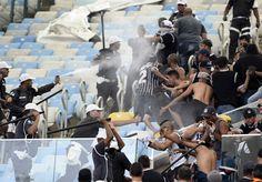 Polícia do Rio autua em flagrante 31 torcedores do Timão por briga no Rio #globoesporte