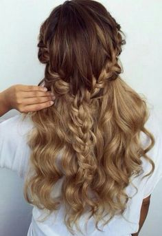 Omber half up wavy hair with braids #gorgeoushair