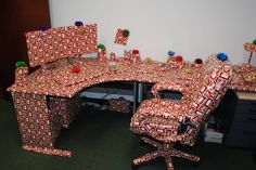 63 Ideas For Funny Pranks For Coworkers April Fools Day Christmas Jokes For Kids, Funny Christmas Songs, Christmas Humor, Christmas Pranks, Merry Christmas, Best April Fools, April Fools Pranks, April Fools Day, Work Pranks