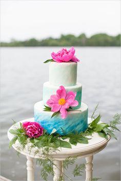 blue ombre wedding cake @weddingchicks