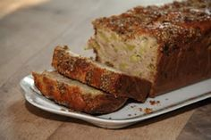 Cake rustique à la rhubarbe, aux fleurs d acacias
