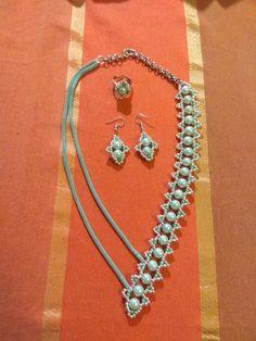 Σετ κολιέ, σκουλαρίκια, δαχτυλίδι Beaded Jewelry, Jewellery, Facebook Sign Up, Chain, Jewels, Pearl Jewelry, Schmuck, Necklaces, Jewelry Shop