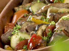 Tyrkisk Güvec - Tradisjonell tyrkisk lammegryte med masse grønnsaker.