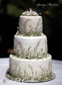 Instead of frosting flowers use wildflowers or lavender