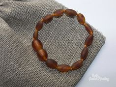 Friends again with amber bracelets Amber Teething Necklace, Amber Bracelet, Bracelets, Chain, Jewelry, Friends, Fashion, Amigos, Moda