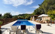 'The old Olive Tree' is a top quality, beautiful 3 bedroom villa, south facing with panoramic views.  €837,400/£658,280