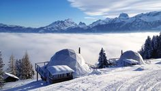 The Whitepod Hotel in the Swiss Alps, is a series of geodesic domes offering amazing mountain views. The Whitepod Hotel pods, designed to combine ecology and… Lac Moraine, Small Luxury Hotels, Best Hotels, Amazing Hotels, Luxury Travel, Banff, Costa Leste, Eco Pods, Formations Rocheuses
