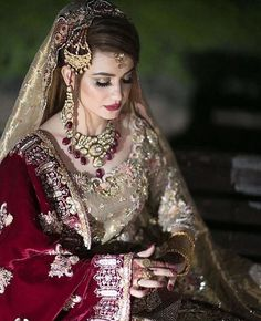 Easy Techniques For Planning A Wonderful Wedding. This celebration of love is your fairy-tale ending and the wedding will be a memory that will never be forgotten. Planning for a wedding can get on your la Pakistani Bridal Makeup, Pakistani Wedding Outfits, Indian Bridal Fashion, Bridal Outfits, Bridal Lehenga, Lehenga Choli, Bridal Makeover, Desi Bride, Bridal Photoshoot