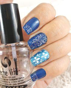 Royal Nails -- Mini Bourjois Vacances à Hawaii n°74 - Mini Bourjois Princesse à Vienne n°82 - Essie Blanc - Star Gazer Blue -Pueen stamping plate n°21 / n°26 / n°33