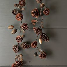 Pine cone garland.  Repinned by www.mygrowingtraditions.com
