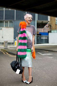 This Season's Street-Style Targets: Lana Del Rey, Frida Gustavsson, Caroline Issa, and Look Street Style, Street Looks, Street Chic, Look Fashion, Womens Fashion, Fashion Trends, Fashion Bloggers, Retro Fashion, Street Fashion