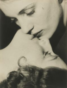 Man_Ray-Lee_Miller_and_Friend__Paris-c_1930.jpg (1170×1536)