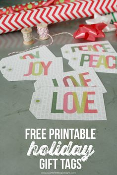 So cute! easy to download and print too. Free Christmas/Holiday gift tags. Use on gifts for friends, family, neighbors and teachers.