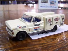 70/71 Ford Service Truck Ho Model Trains, Ho Trains, Model Cars Kits, Kit Cars, Tow Truck, Pickup Trucks, Pick Up, Weather Models, Hobby Cars