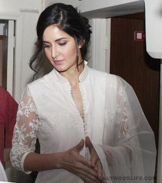 Katrina Kaif recently wearing a chic salwar kameez mesmerizing sheer minimalism on display. The pristine white outfit, the intricate chikan embroidery work and the effortlessness with which Kat carries herself spells unbeatable sophistication.
