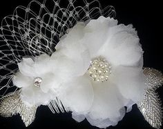 Pièce à main avec outils véritables cheveux floraux en soie avec des perles et de cristaux