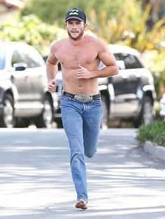 VIDEO: See Scott Eastwood's Best Shirtless Shots, Narrated by Scott Eastwood http://www.people.com/article/scott-eastwood-longest-ride-shirtless-photos