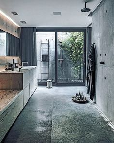 Outside and inside shower. Cement panels on the walls. We have panels up to 120 x 120 cm for both walls and floors. Really amazing #panels