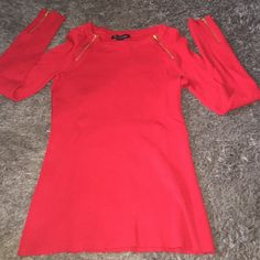 INC Ribbed Top Like new top from INC, ribbed material. Has good zipper accents on sleeves and near the shoulder area. Feel free to make an offer! INC International Concepts Tops Tees - Long Sleeve