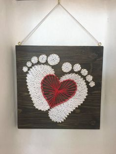 Newborn toodler feet expectation gift Red string art heart Source by String Art Heart, String Wall Art, Nail String Art, String Crafts, Heart Art, String Art Templates, String Art Patterns, Easy Yarn Crafts, Art Painting Gallery