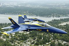 The Blue Angels practice for their weekend show at Seafair